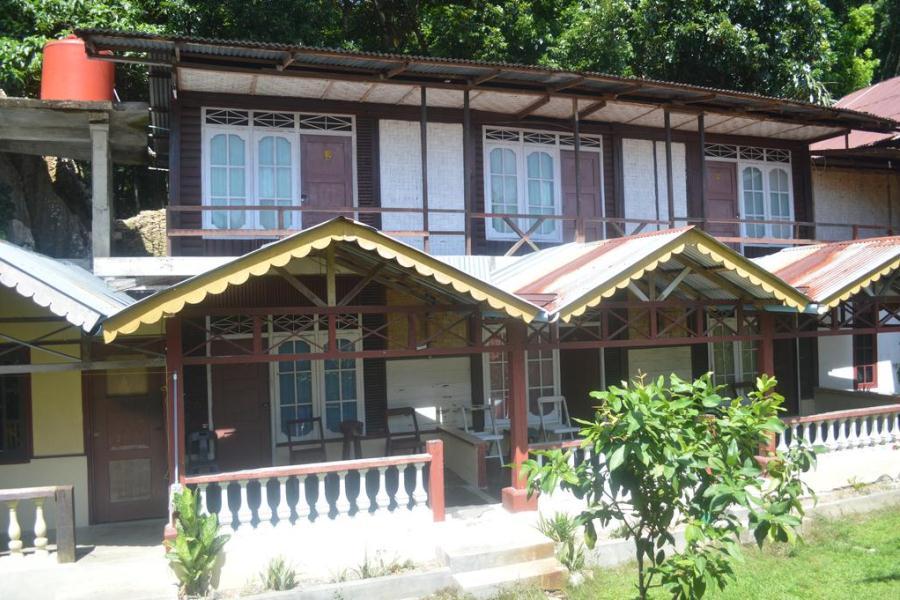 Yusman Guest House